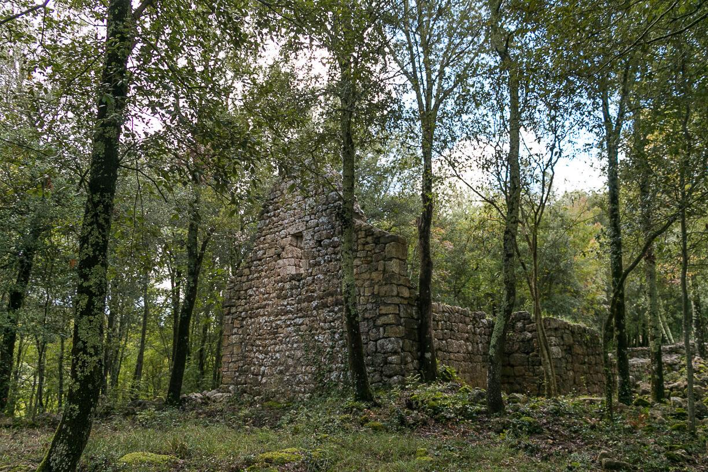 Ruderi nella Riserva naturale di Castelvecchio a San Gimignano